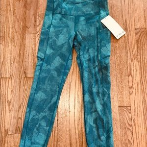 "NWT lululemon ""Speed Up"" tights"